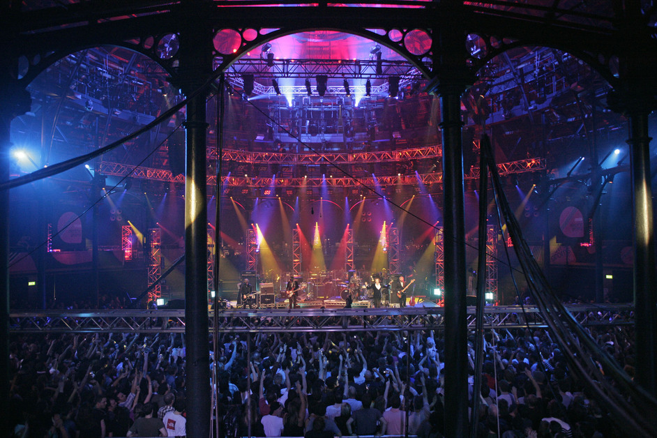 roundhouse_live